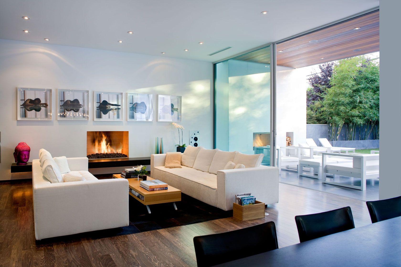 Diseño de moderna sala con cuadros de arte