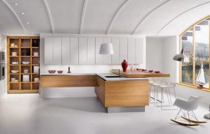 Moderna cocina con barra