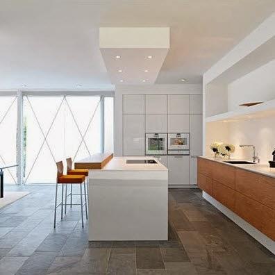 Sencilla barra para cocina en color blanco construye hogar - Cocinas de color blanco ...