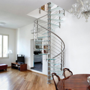 Diseño de escalera caracol por European Cabinets & Design Studios