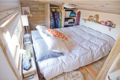 Dormitorio en mezzanine de casa pequeña