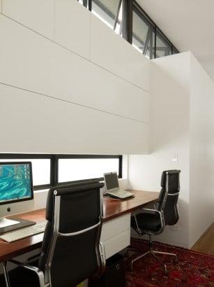 Diseño de estudio en casa alargada