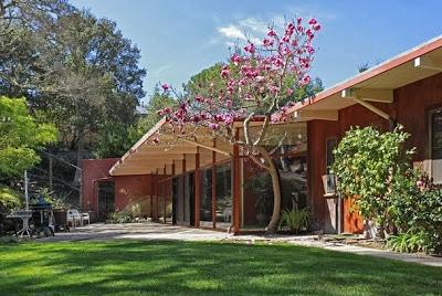 Fachadas de casas modernas estilo oriental construye hogar for Casas viejas remodeladas
