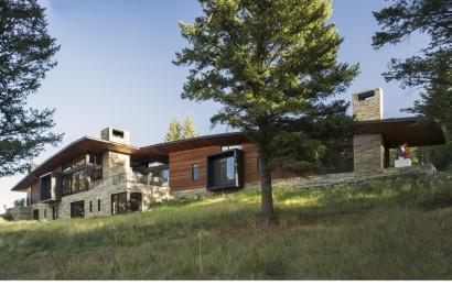 Fachada de moderna casa de campo