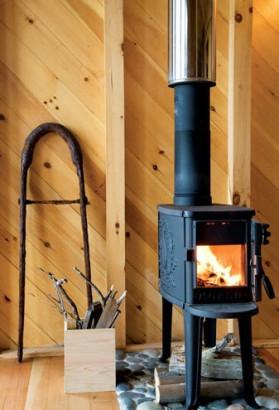 Diseño de chimenea de casa rural