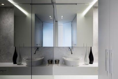Diseño de cuarto de baño de minidepartamento