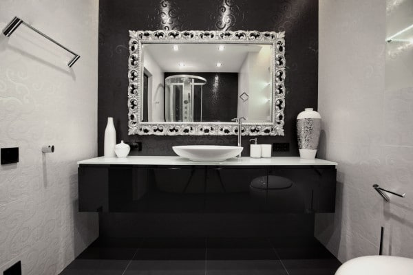 Lamparas Para Medio Baño:Black and White Bathroom Wall Decor