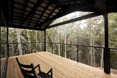 Diseño de terraza en bosque