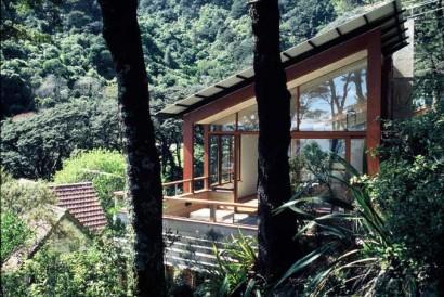 Casa de madera en la montaña