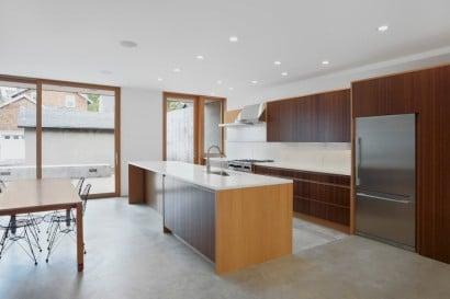 Diseño de cocina de casa de dos niveles 2