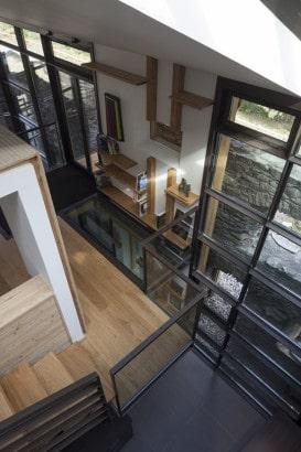 Diseño de interiores de casa en la montaña