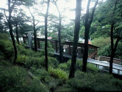 Fachada posterior de casa en la montaña