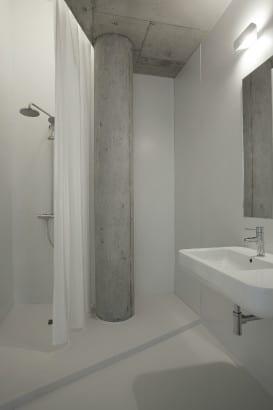 Diseño de cuarto de baño irregular 2