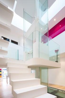 Diseño de escaleras en casa moderna 2