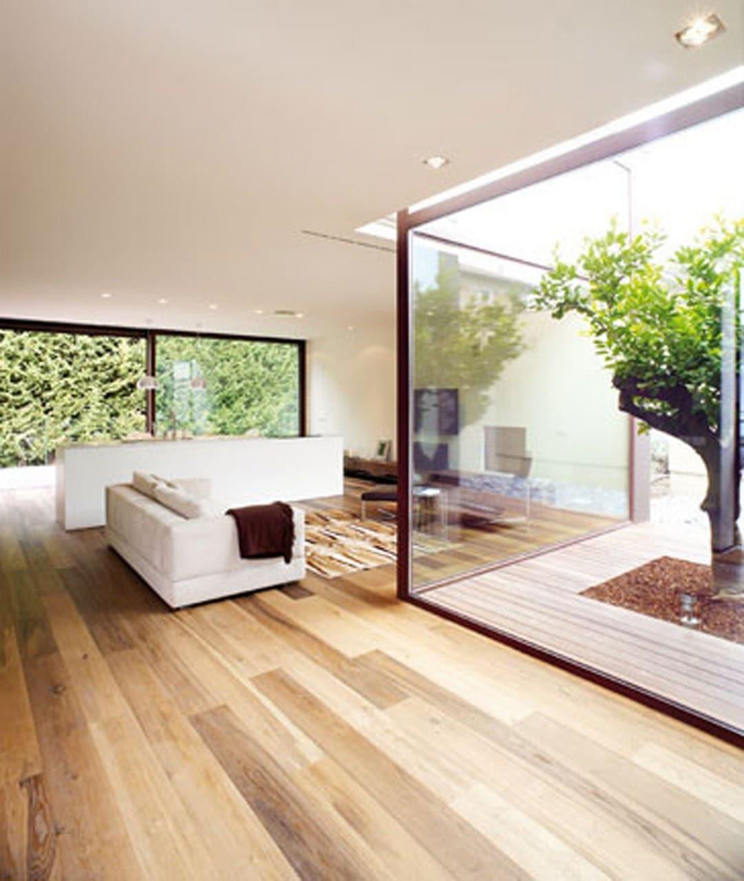 Planos de casa peque a de un piso con cerco perim trico - Jardines interiores en casas modernas ...