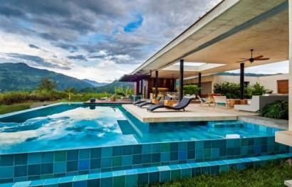 Diseño de piscina en casa de campo