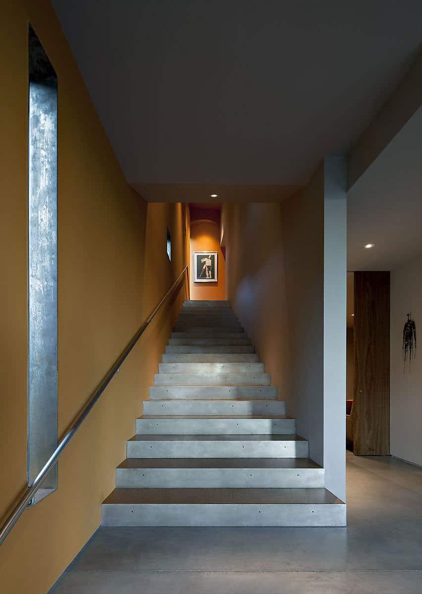 Dise o de casa moderna de dos pisos planos y fachada - Disenos de escaleras interiores fotos ...