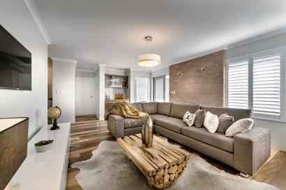 Decoración de interiores combina moderno y rústico