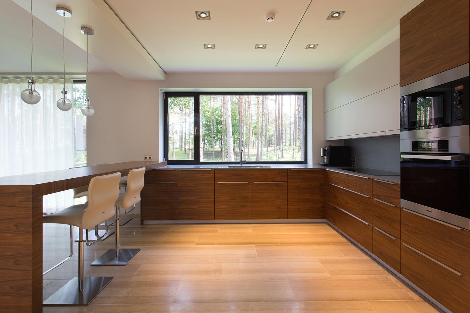 Dise o de cocina amplia y moderna construye hogar - Construye hogar ...