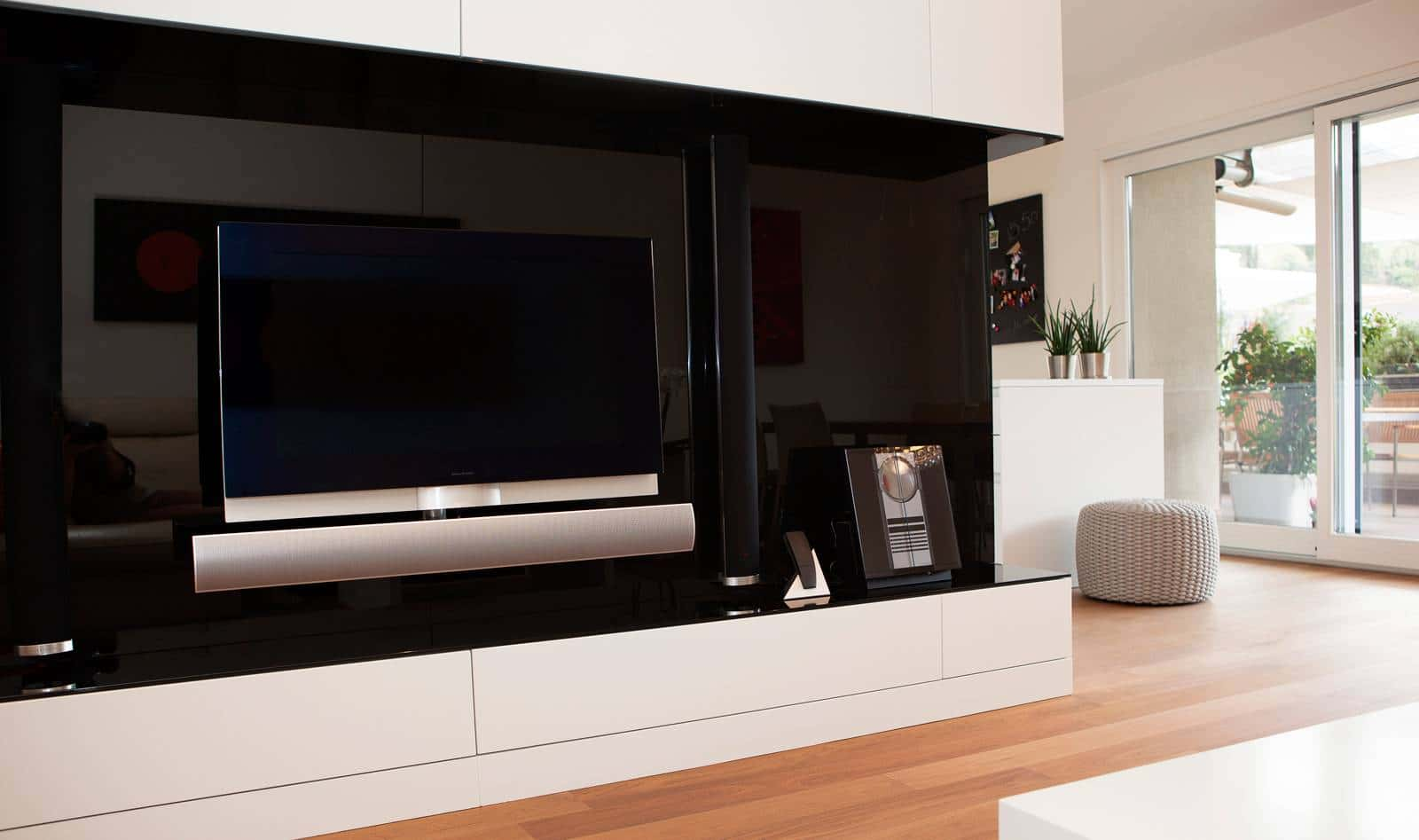 Disenos de muebles para tv en madera for Muebles de diseno moderno para tv