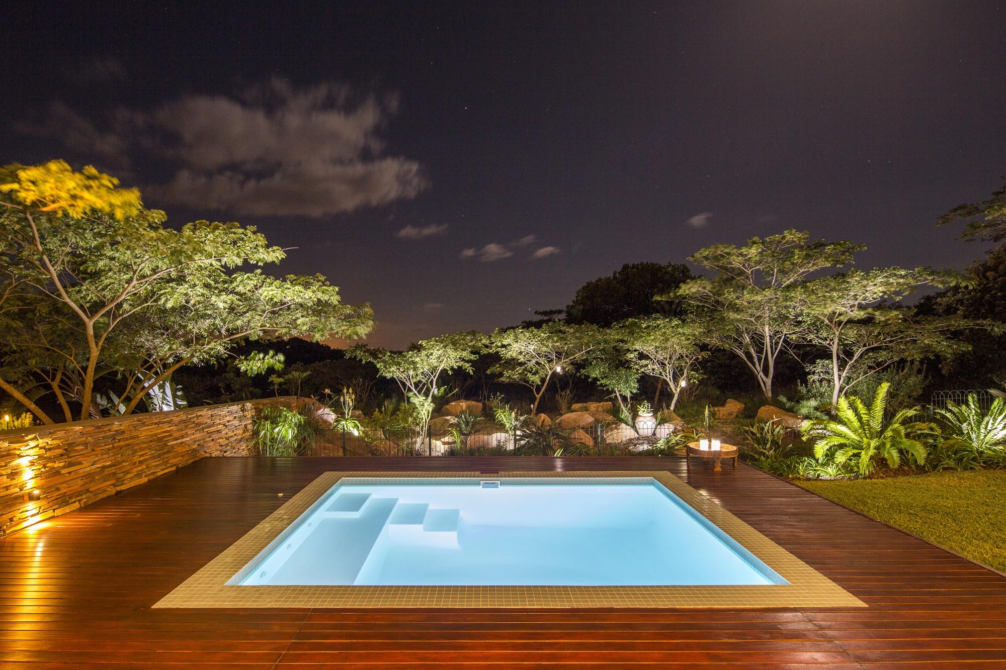 dise o de piscina cuadrada de casa moderna construye hogar