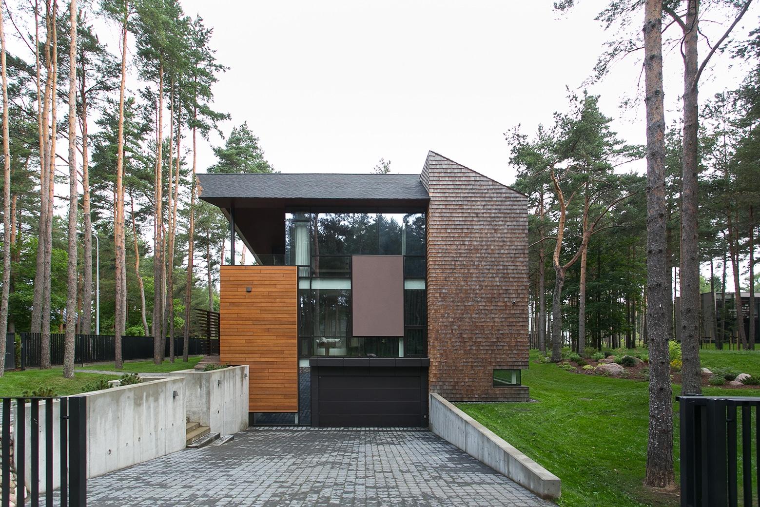 Fachada lateral de casa de campo moderna 2