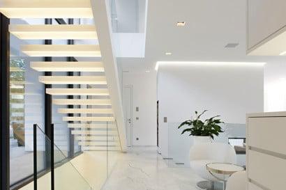 Vista de modernas escaleras