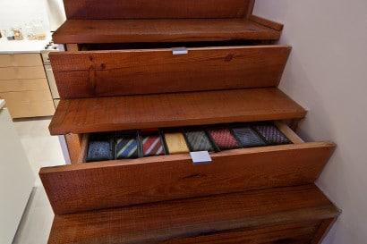 Diseño de escaleras con cajones en pasos