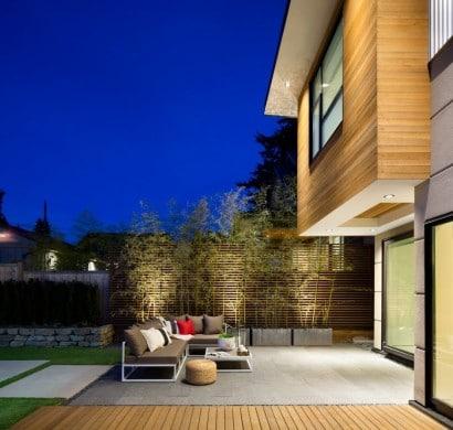 Diseño de terraza de vivienda de dos pisos