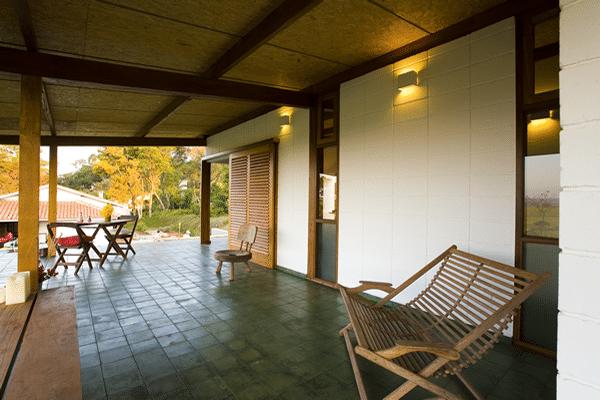 Dise o de terraza r stica de peque a casa de campo for Terrazas de campo