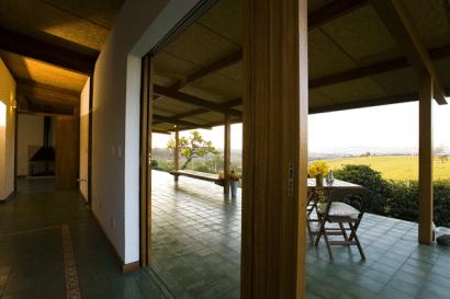 Diseño interior de pequeña casa de madera