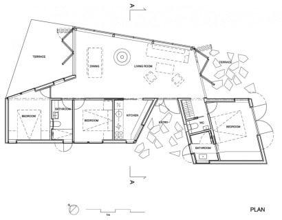 Plano de casa de un piso en terreno irregualar