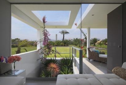Vista de casa hacia el jardín