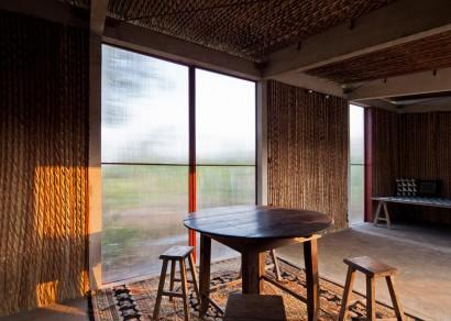 Casa pequeña de bajo precio con puertas de policarbonato