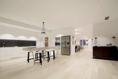 Decoración de interiores de cocina con isla