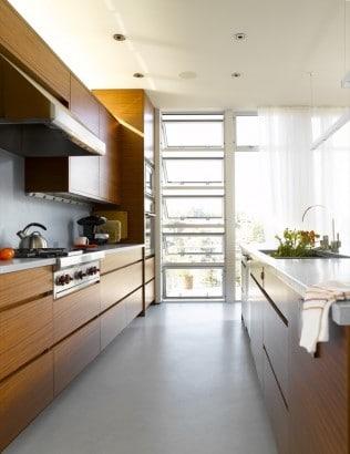 Diseño de cocina con muebles de madera