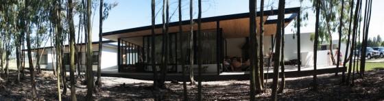 Diseño de fachada de casa de un piso grande