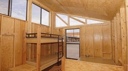 Diseño de interiores de casa muy pequeña de madera