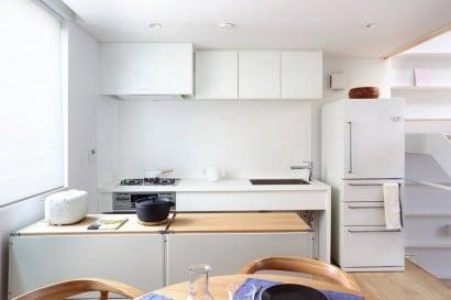 Diseño de pequeña cocina con isla de casa prefabricada