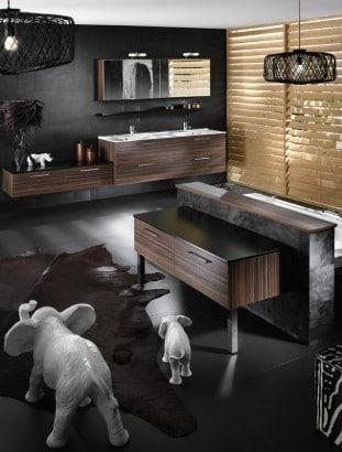 Decoración de cuarto de baño con animales de adorno