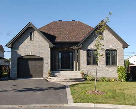 Diseño de casa de campo con fachada de piedra