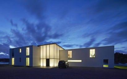 Diseño de fachada de casa de dos plantas