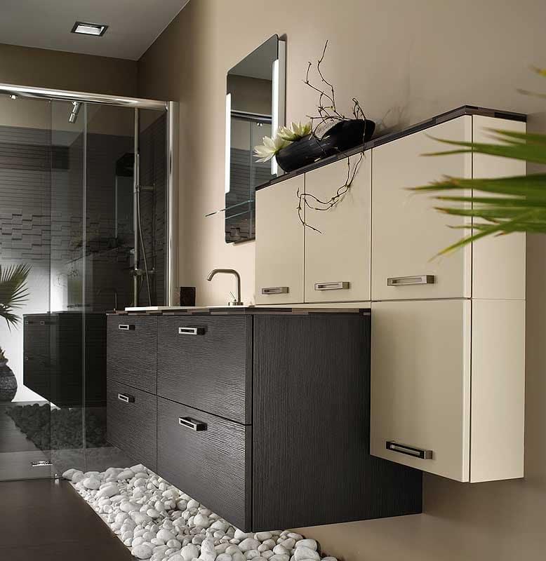 Decoraci n de cuartos de ba o construye hogar for Salle de bain bois et galet