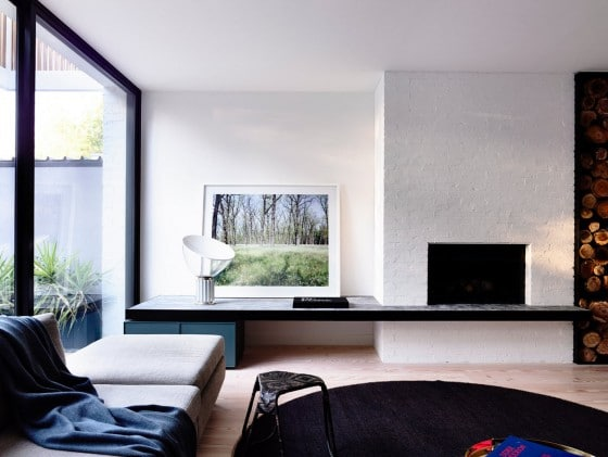 Diseño de sala con chimenea rústica