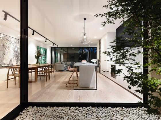 Vista de zona social de casa de dos plantas