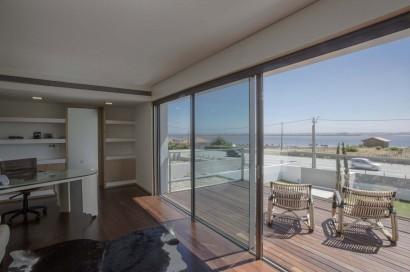 Vista e terraza con vista al mar