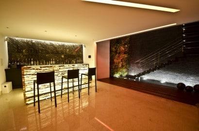 Diseño de bar de casa moderna
