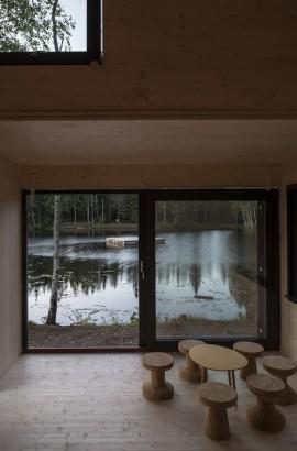 Diseño de cabaña moderna de madera 007