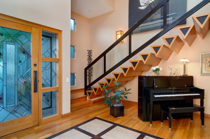 Dise o de escaleras y pasamanos construye hogar for Gradas interiores