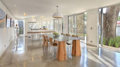 Diseño de cocina comedor moderna color blanco